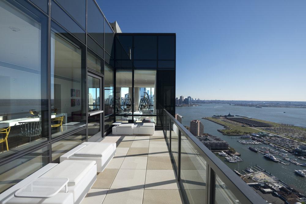 Jersey City's Vantage Reveals Its Five-Star Amenity Spaces
