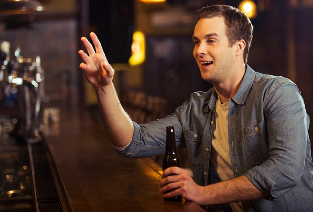 The Top 20 Things That Piss Off Your Bartender  / Supercall
