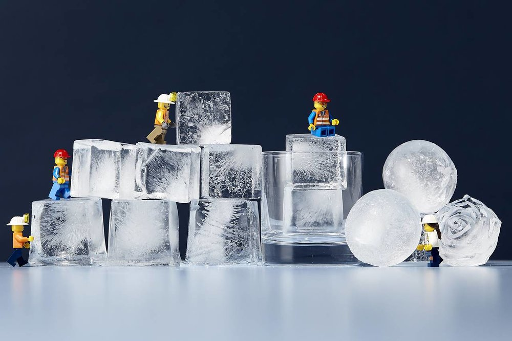 Does Bigger Ice Make for Better Cocktails?  / WSJ