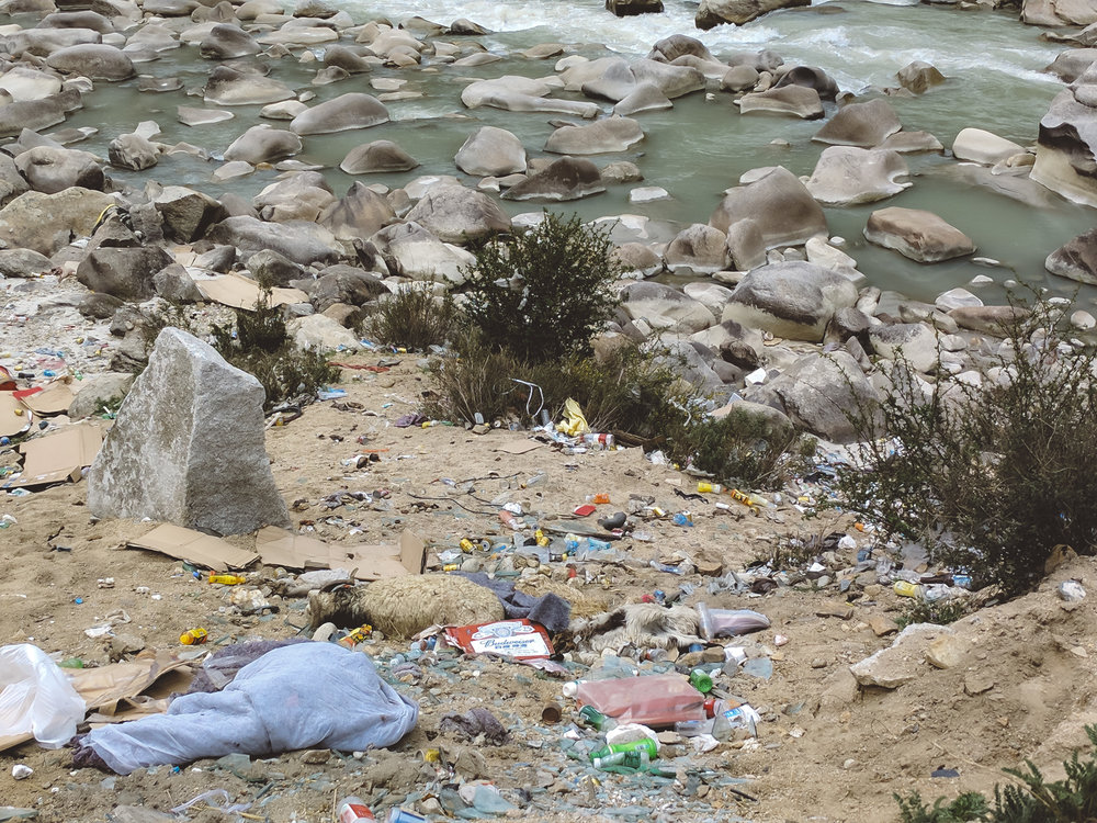 Oh dear. - Tibet (and China) has a trash problem.