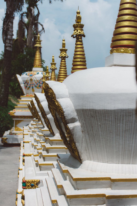 Stupa central - Beautiful row of stupas