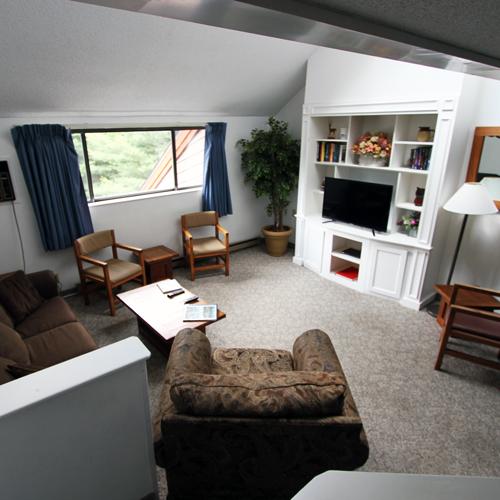 BB_livingroom.jpg