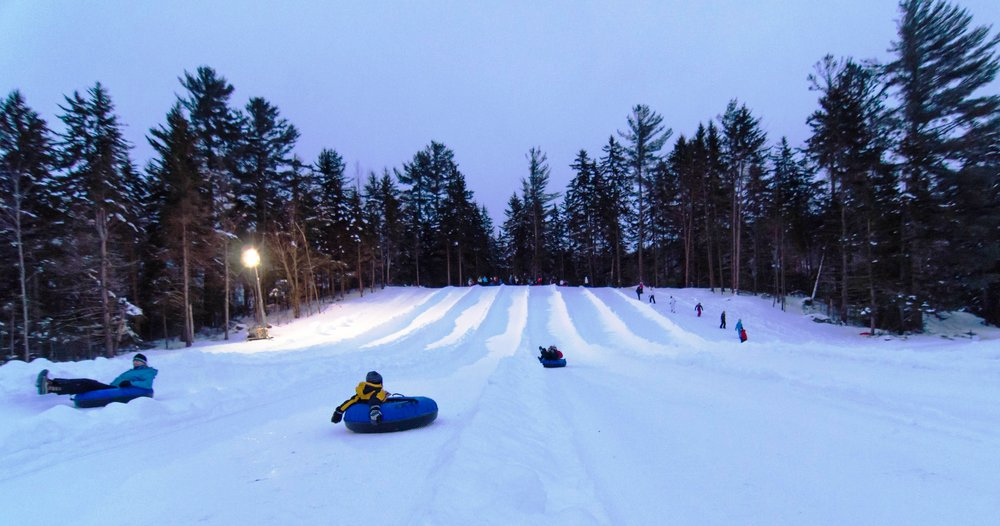 Try tubing. Set fairly close to Town Square, the Waterville Valley Clubhouse offers a snowy tubing hill, restaurant and café