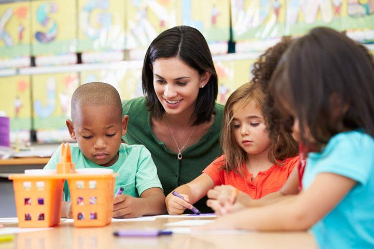 teacher-with-young-children750.jpg