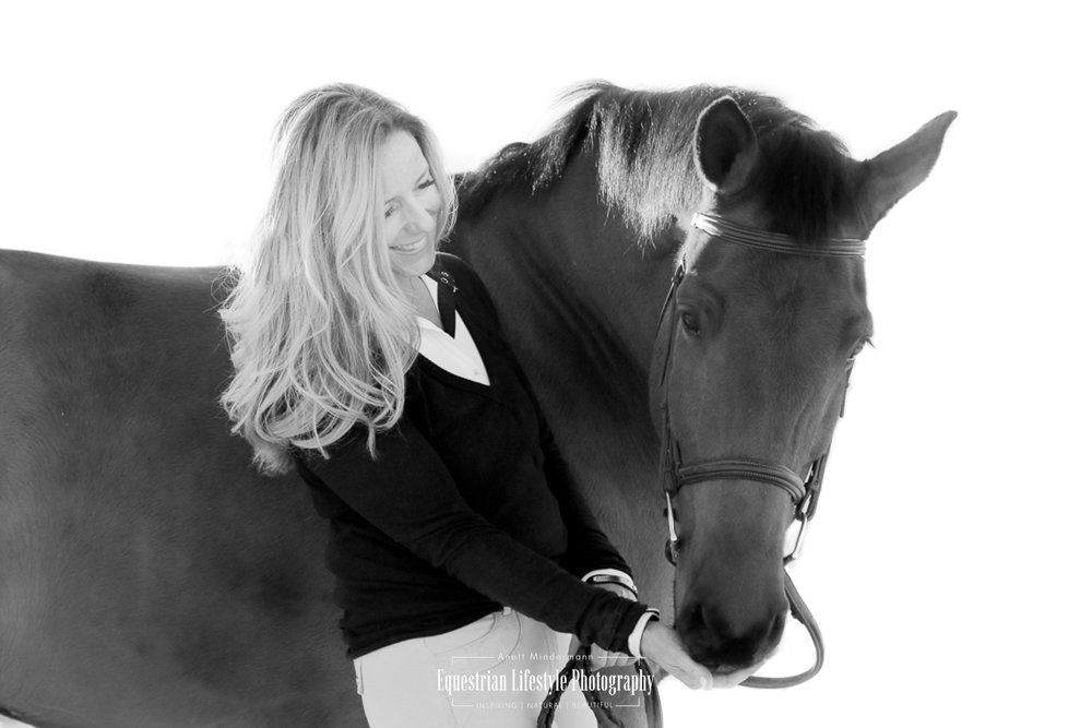 Equine Sunset Photo Shoot with Leslie and Carter, black and white