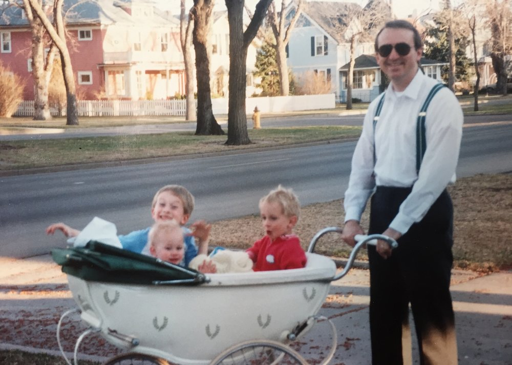 Siri Everett's husband, Ralph and their children, Annalise, Nathaniel and Ben - growing up in the neighborhood!