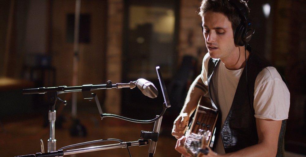 Tolan Shaw Live Session at Studio West shot 2