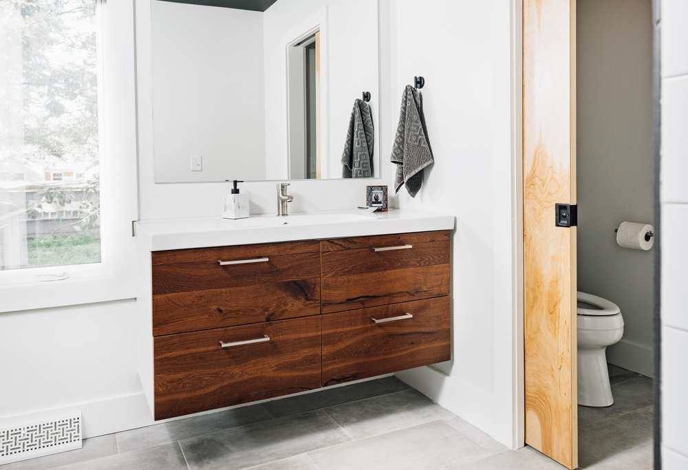Master_Bathroom(2).jpg