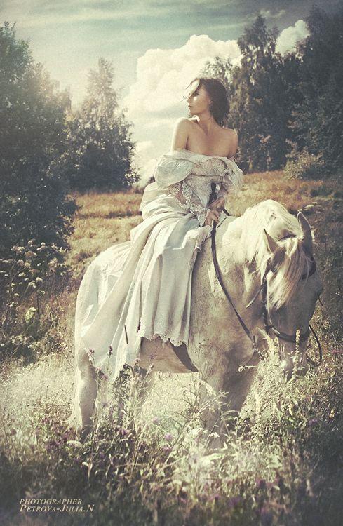 horse dress pose outdoor backlighting.jpg