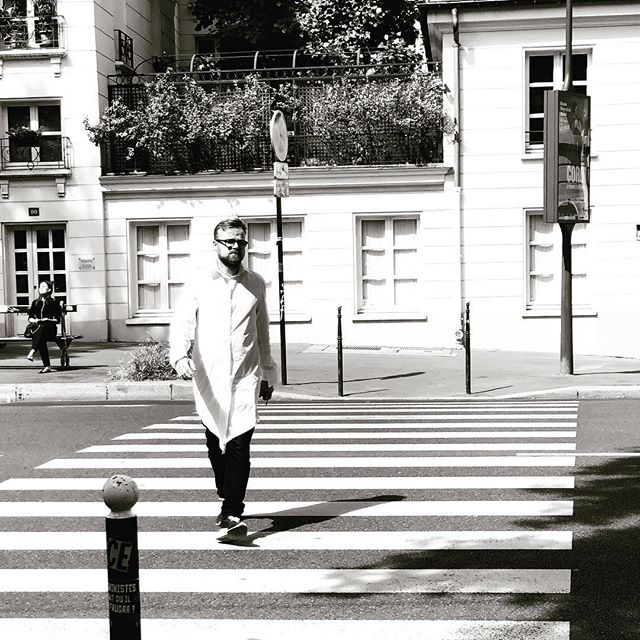 Spotted in the wild #pfw #parisfashion #blackandwhite #brandidentity #australiandesign #parttimemodel