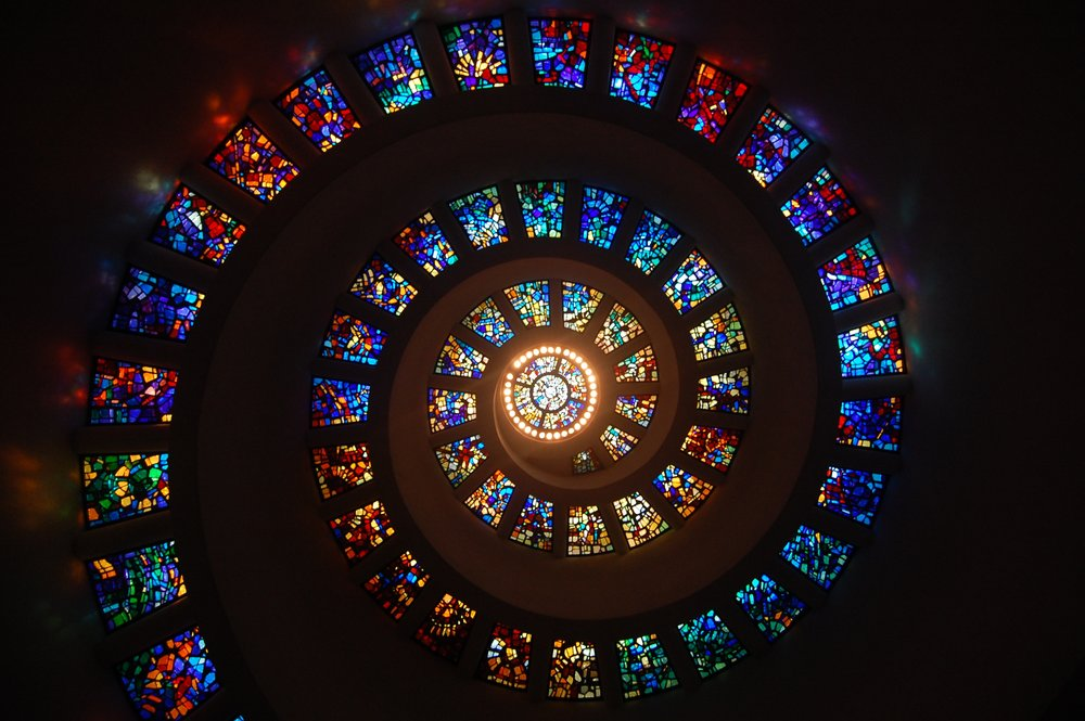 stained-glass-spiral-circle-pattern-161154.jpg