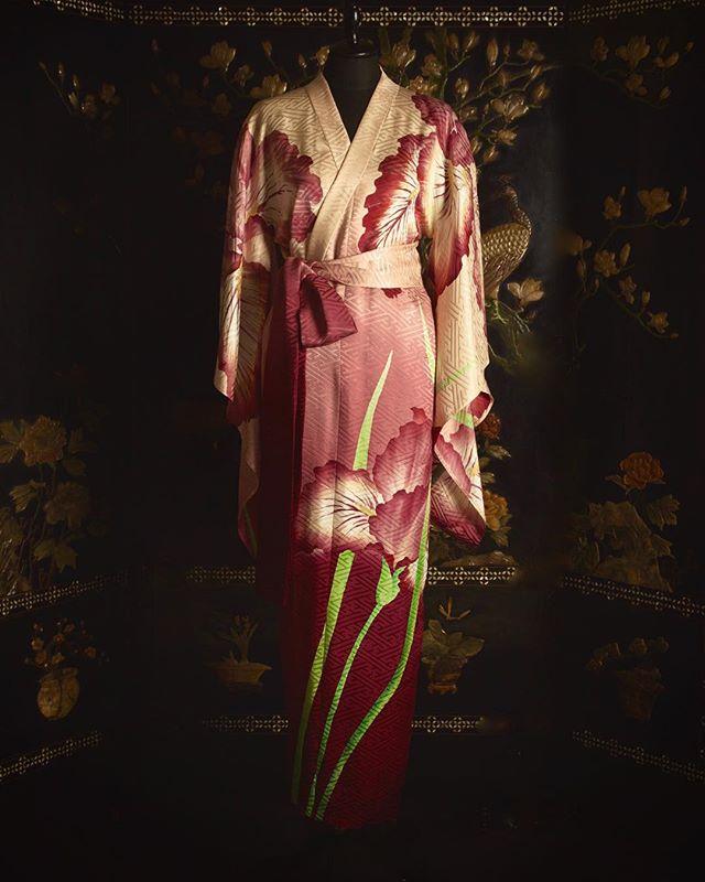 Wax-resist dyed Iris Kimono gown | This exclusive piece is made by an artisan in Kyoto using Roketsu-zome (wax-resist) dyeing techniques.  京の職人の手により ろうけつ染で描かれたアイリスのガウンです。  #URAMUNÉ  #CollectionKinu  #TangoPeninsula  #silkcrepe  #Kyoto  #silk #Japanmade  #craftsmanship  #wrapdress  #日本の技  #伝統と革新  #waxresist  #waxresistdyeing  #iris  #ろうけつ染め