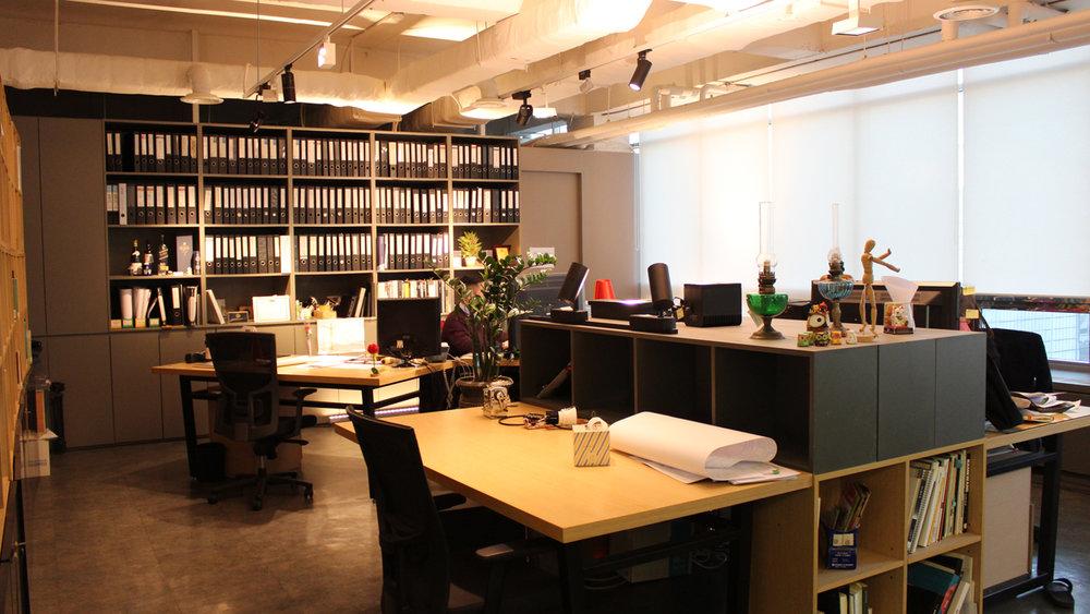 170426 office pic 8.jpg