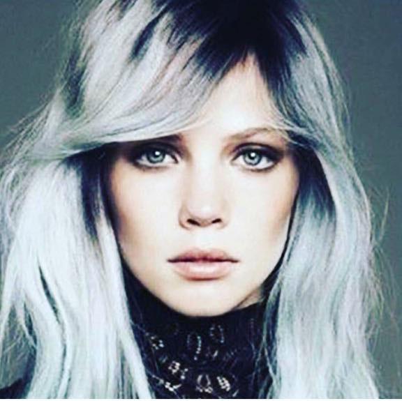 Colorazione grigia per capelli  look moderno e fuori dagli schemi ... bda710765623