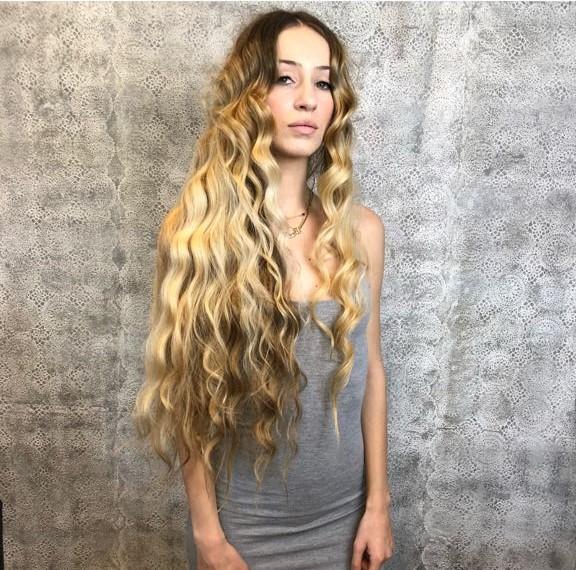 capelli-mossi-lunghi.jpeg