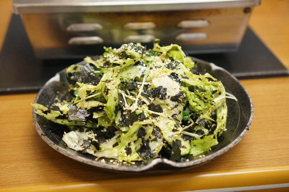 Sutaminaen's special is Namayasai (salad). Not only the beef is great here but all other dishes are as well.  スタミナ苑の定番、生野菜。お肉だけでなく、ちょっとした料理もうまい。