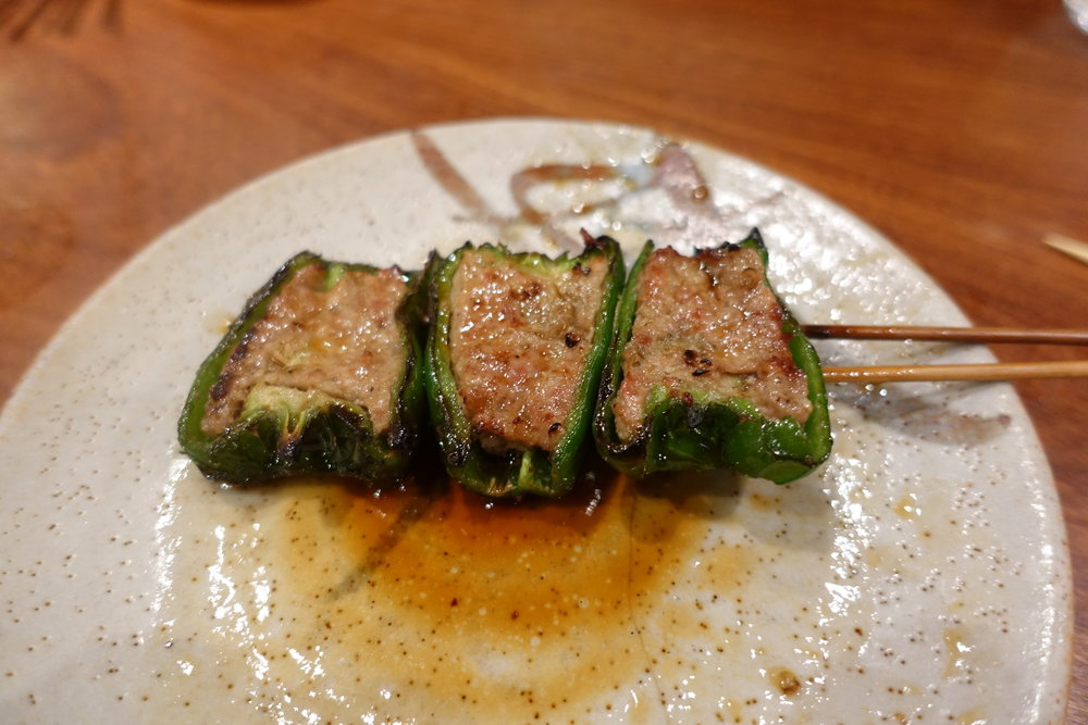 Torishige invented Piiman-no Nikuzume (green peppers stuffed with minced meat), which many yakitori or yakiton restaurants have on their menu.  The sweetness and flavor of meat just blends in perfectly.  Totally blown away.  Even after you finish the stick, the umami remains in you.  なんでも、この鳥茂は、ピーマンの肉詰めの発祥の店。これは・・・甘みと肉が、宇宙一調和している。悶絶のうまさ。すべて食べ終えた後も、うまさの余韻が残っています。