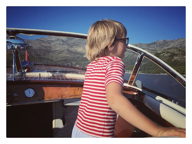 Stripes and boats are the synonyms of a good summer ⚓️ 🛥🇭🇷#summer2017 #smartaleklondon #whataboy