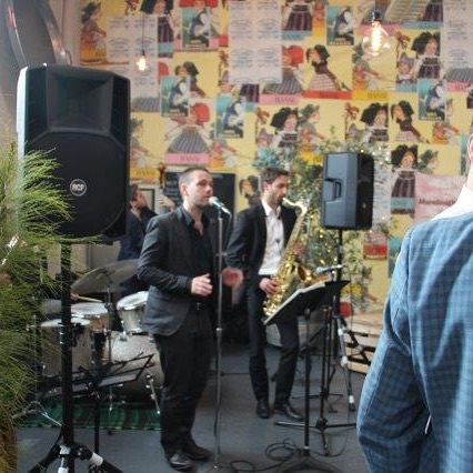 Wedding Band @studiorawmaterials  We do #corporateevents and #Christmasevents as well! #weddinghour #wedding #industrialstylevenue #vintageweddings #rusticweddings #melbournevenue #melbournevenues #footscrayvenue #innerwestvenue #eventprofs #foodlovers #uniquevenue #sharedplatters #sharedplates #realwedding #australianwedding #victorianwedding #weddingmoments #weddingdesign #weddinginspiration #weddingstylist #Melbourne #weekdayweddings  #cocktailparties