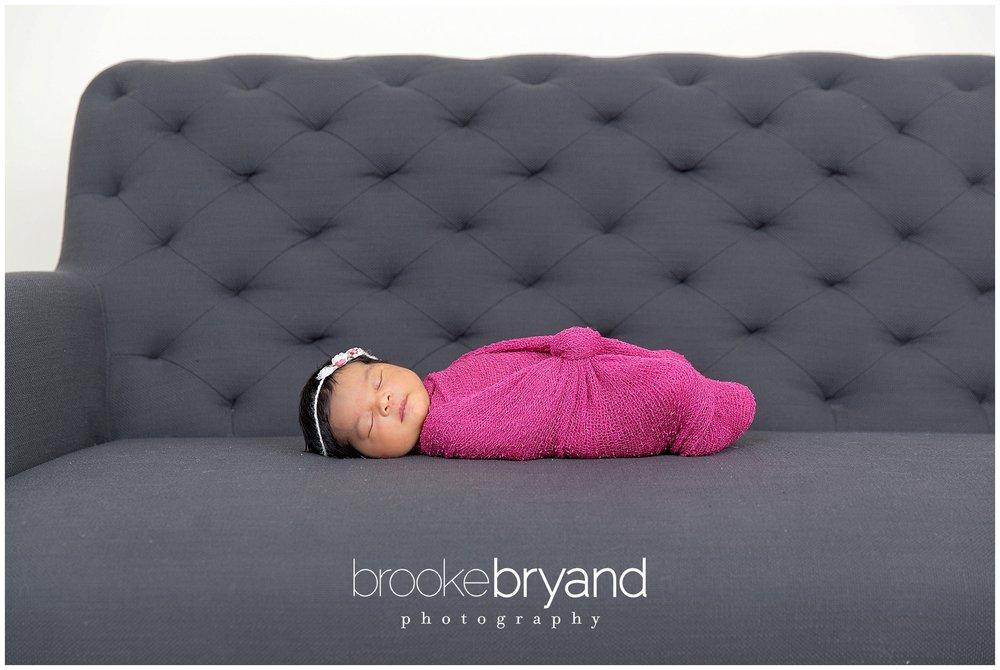 10.2014-newborn-BBP_9571_BrookeBryand.jpg
