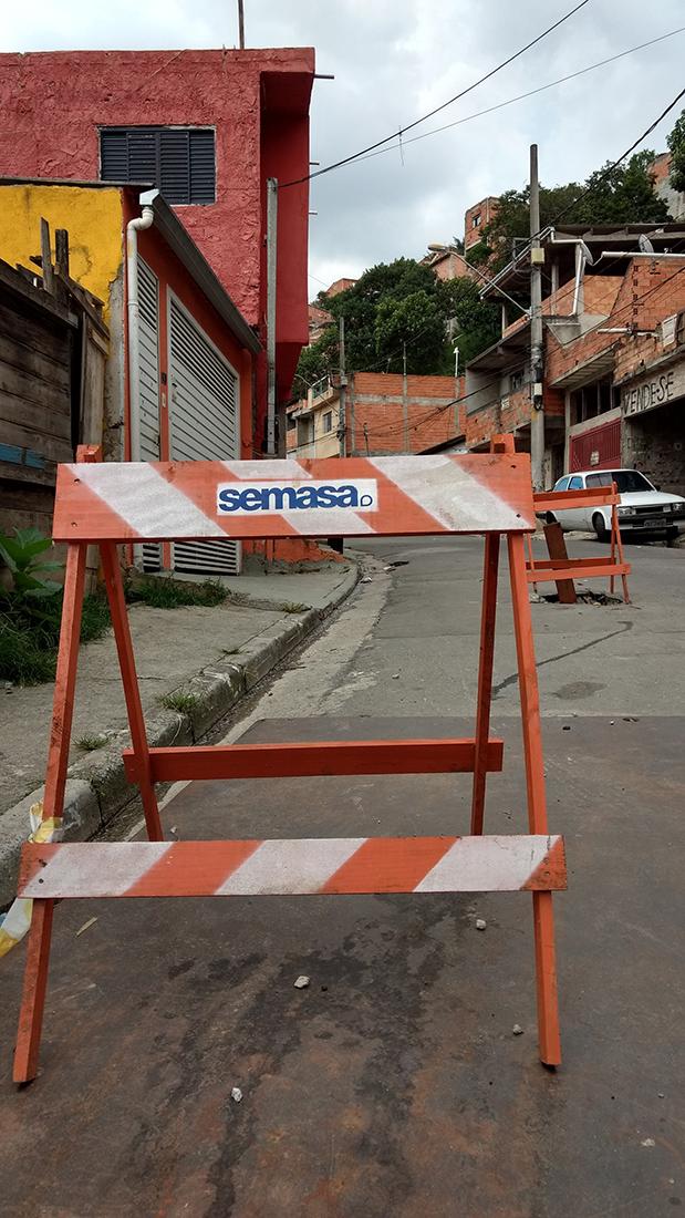 Blitz: Falta de água e vazamentos em Santo Andre, no ABC. Foto: Marcel Naves