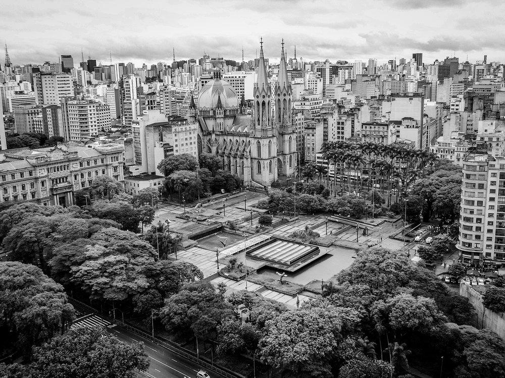Highlight to Praça da Sé. Photos of the city of São Paulo produced with Motorola mobile phone. Photo: Tiago Queiroz