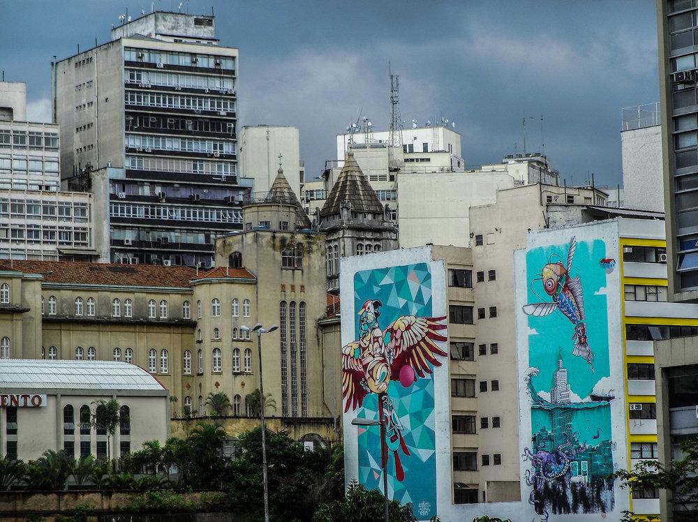 Drawings and graffiti in the region around Prestes Maia Avenue. Photo: Tiago Queiroz