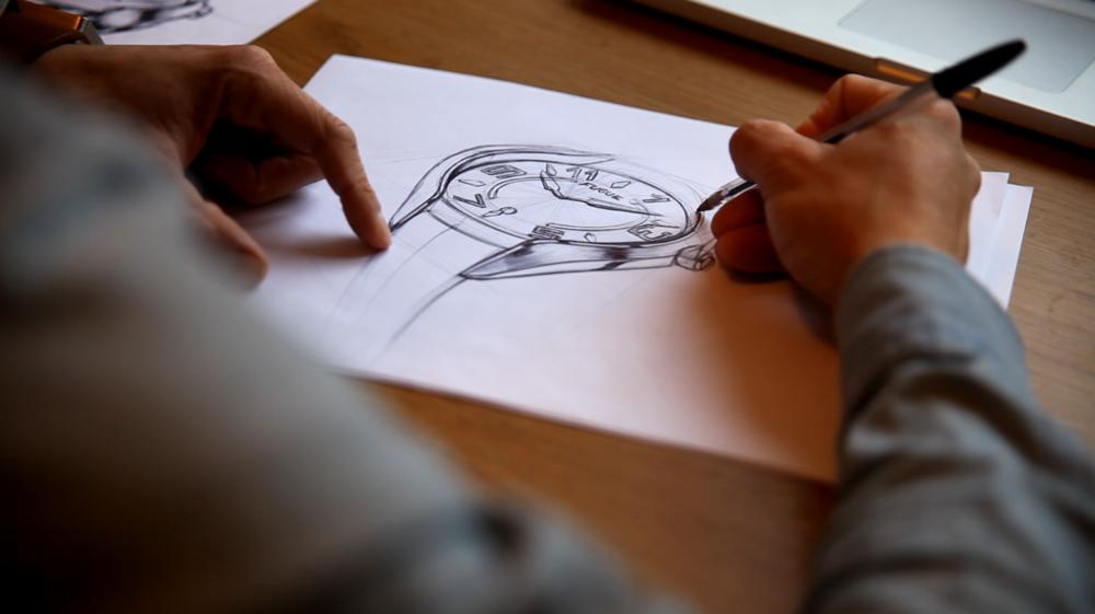 SMART OUI, MAIS PAR LE DESIGN - Faire une montre différente, mais pas trop compliquée.