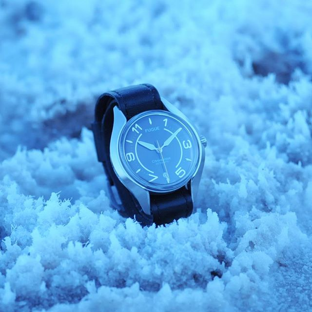 What might appear as snow is in fact very dense crystals of salt which compose the lowest point below sea level in North America. 💎📐 #fuguewatches #californiaroadtrip