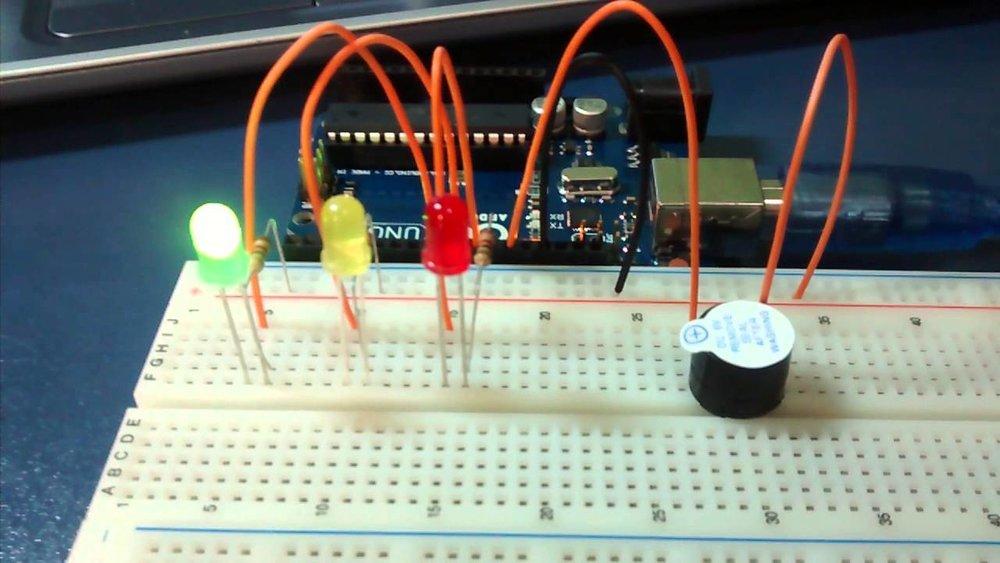 arduino semaforo.jpg