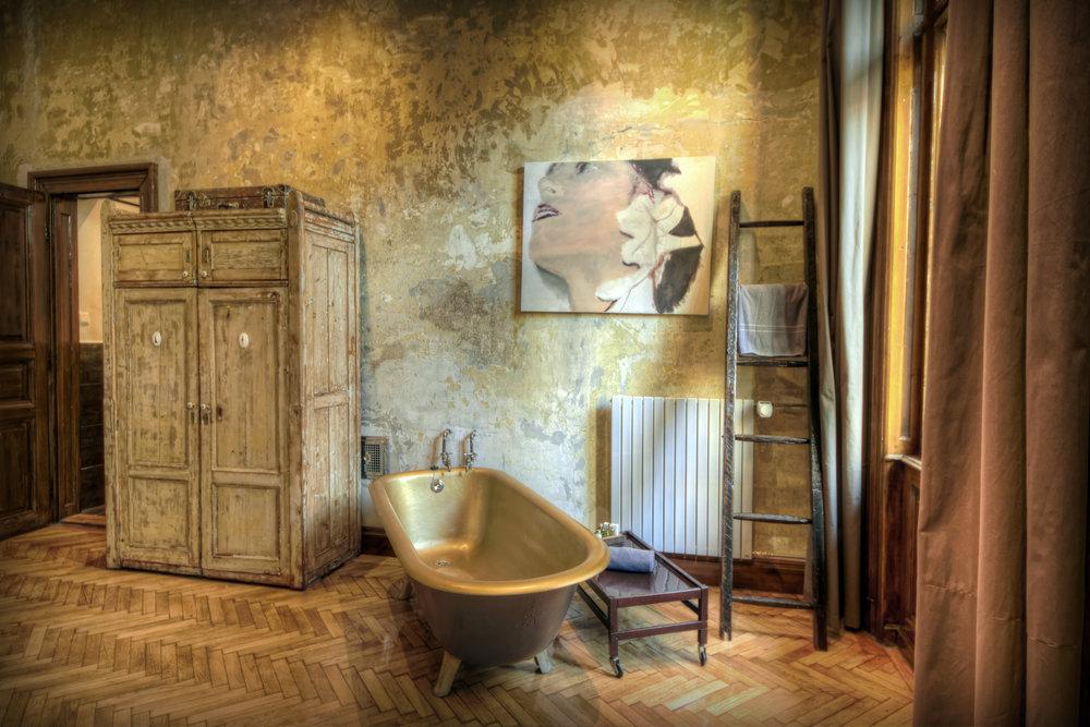 Brody House_Tinei room (2) photo by Almos Eory.jpg