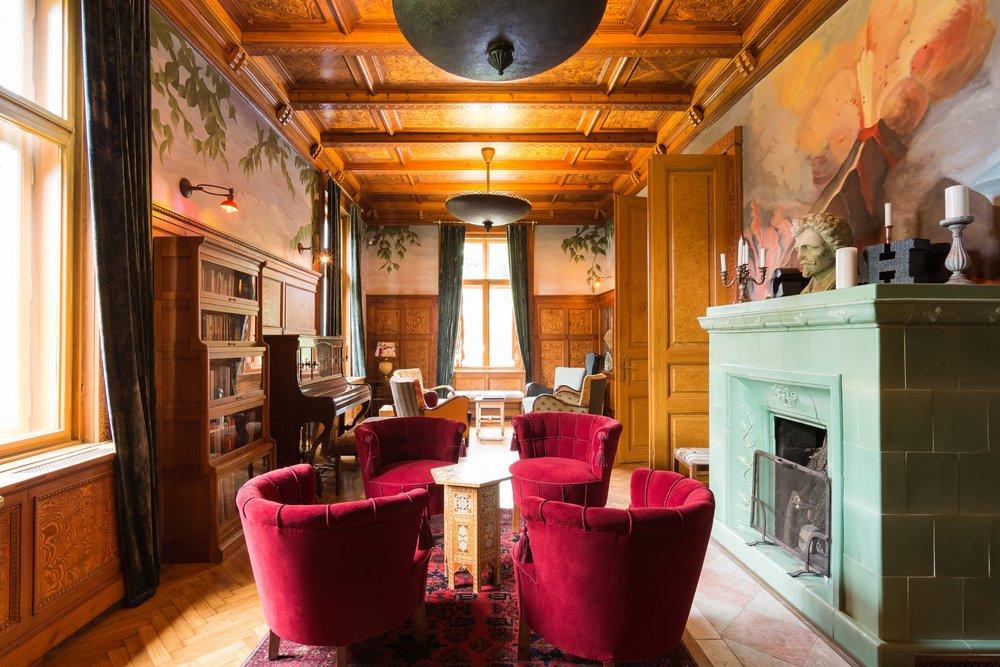The Petofi Parlour, The Writer's Villa