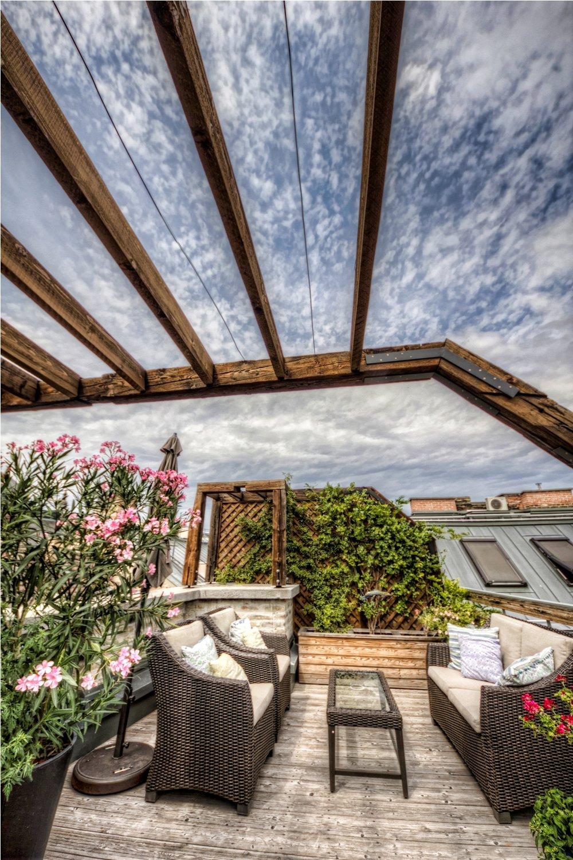 Apt21_terrace.jpg
