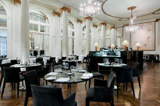 homage-grand-salon-restaurant.jpg