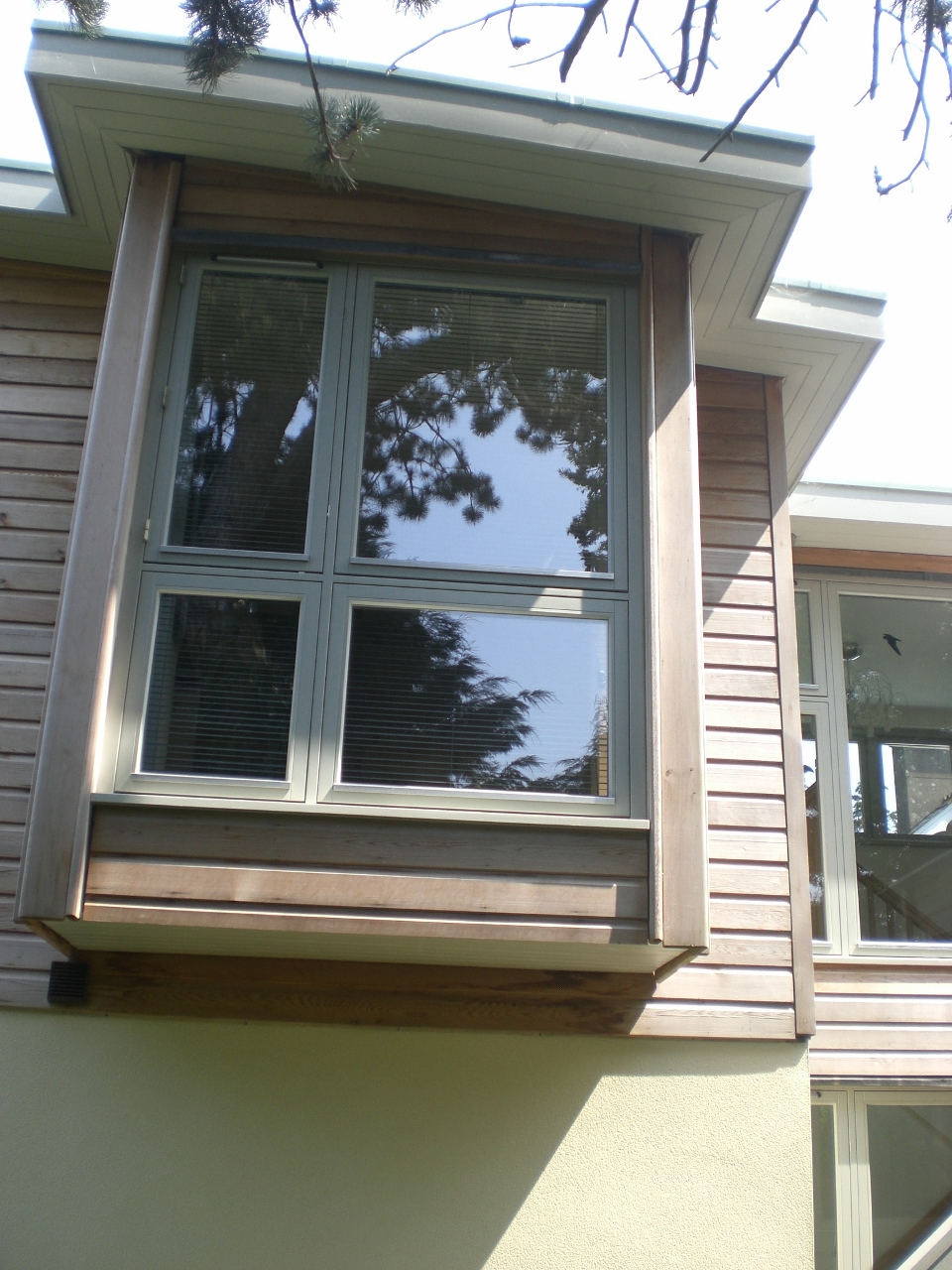bay window to modernist house (960x1280).jpg