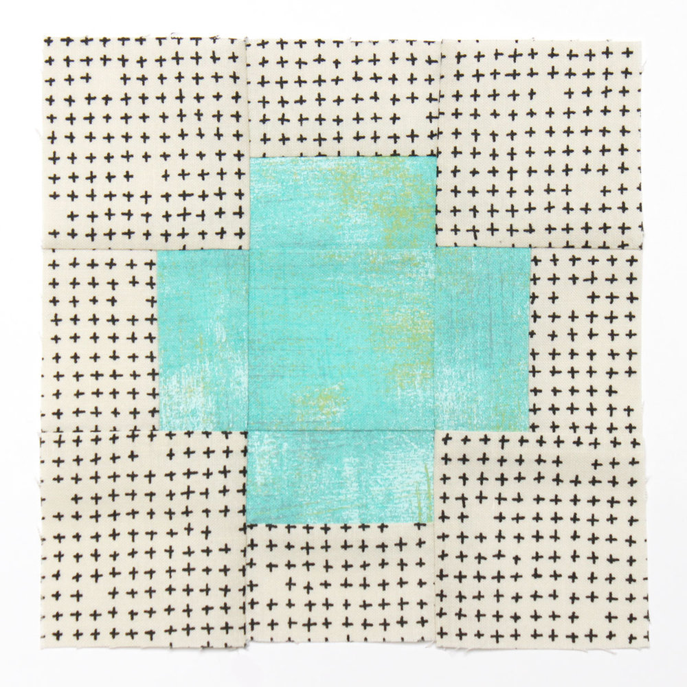 Free quilt along Blockheads 2018, Block 9: With a Plus Fabrics used in the block are from Moda, Basic Grey GRUNGE and Zen Chic MORE PAPER