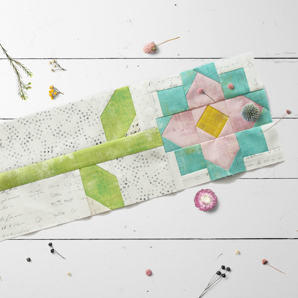Free quilt along Blockheads 2018, Block 13: Patchwork Flower Fabrics used in the block are from Moda, Basic Grey GRUNGE and Zen Chic PAPER