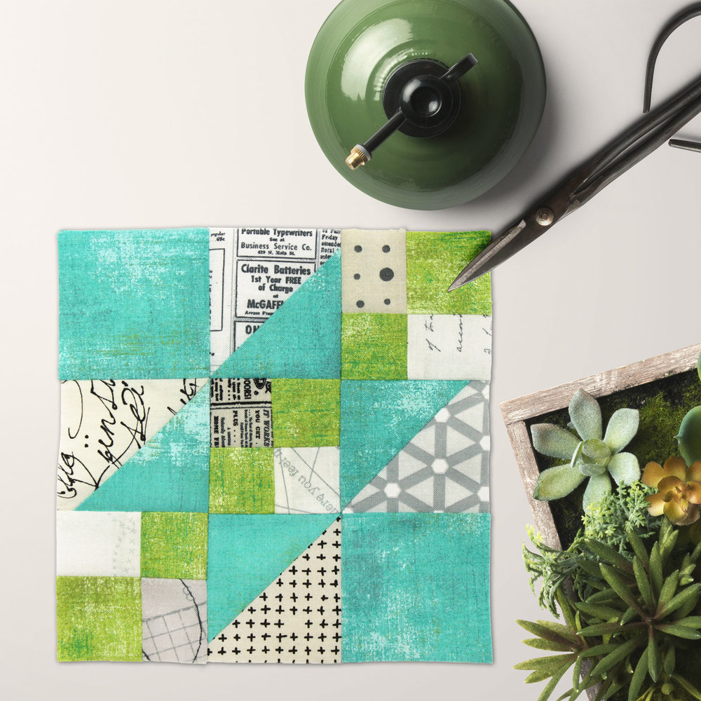 Free quilt along Blockheads 2018, Block 19: Rocky Road to California Fabrics used in the block are from Moda, Basic Grey GRUNGE and Zen Chic PAPER and MORE PAPER