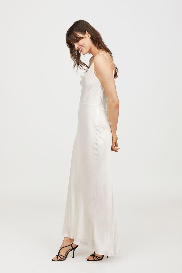sleeveless long dress.jpg