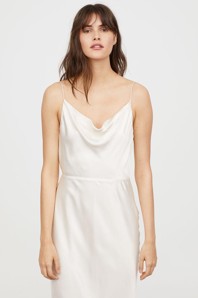 Sleevless silky long dress.jpg