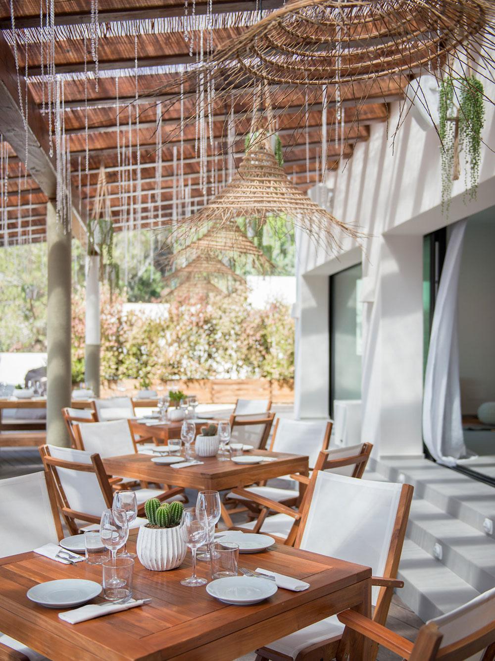 aiyanna-ibiza-restaurant-beachclub-05.jpg