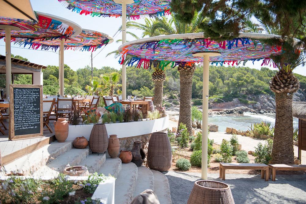 aiyanna-ibiza-restaurant-beachclub-21.jpg