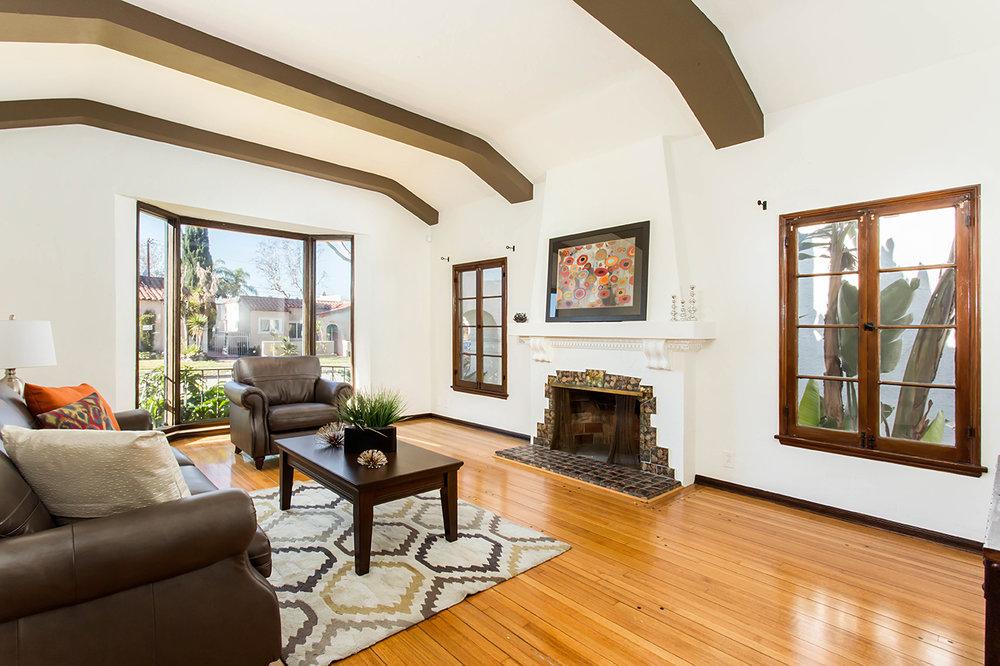 CA8A3670_living room_web size.JPG