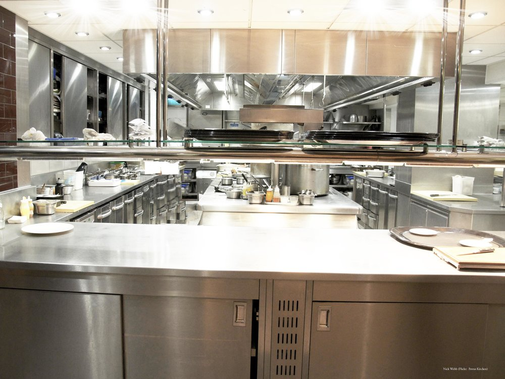 Petrus_(London)_Kitchen bursts.jpg