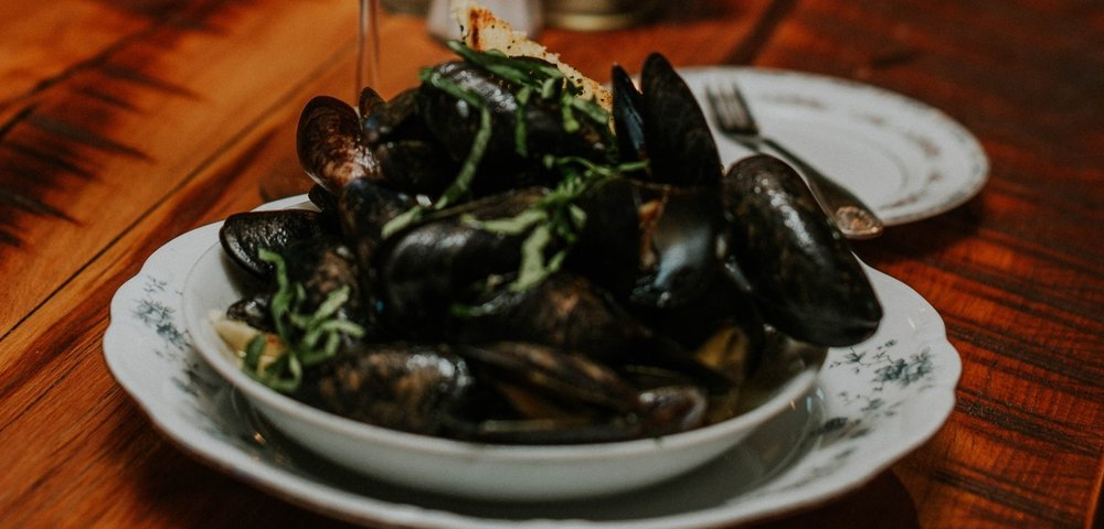 mussels-winepour.jpg