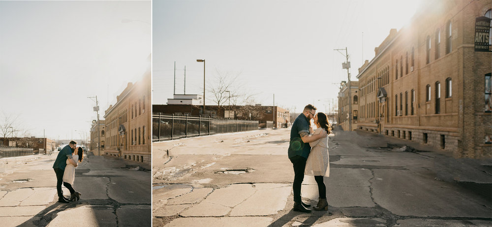 Urban engagement photos / Urban engagement pictures / Minneapolis engagement photos / MPLS engagement photos / MPLS engagement photographer / Minneapolis engagement photographer