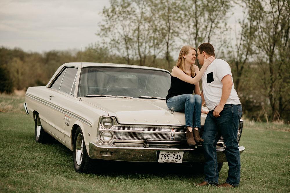 Vintage Engagement Session / Vintage Car Engagement Photos / Vintage car engagement pictures / vintage engagement session / Vintage summer engagement