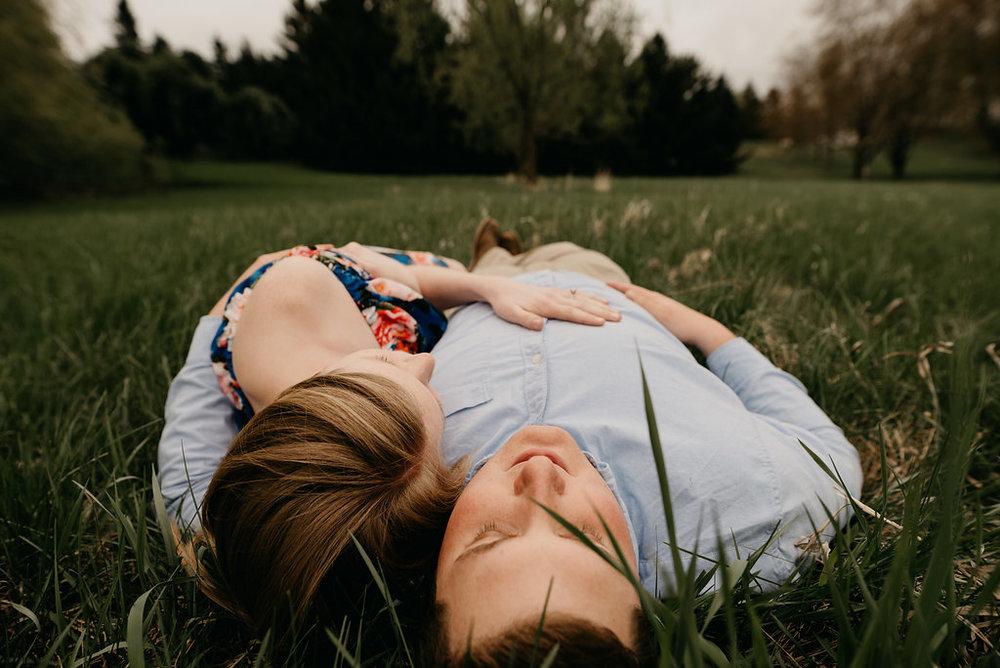 MN summer engagement photos / Minnesota engagement photography / mn engagement photos / summer engagement photos minneapolis / mpls summer engagement session