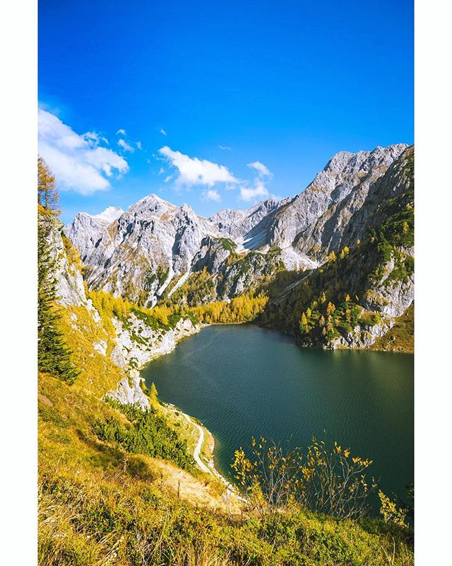 When 5 extra minutes give you a ridiculously awesome view 🍂 📸 #sonyalpha #lightroom 10/2018 #️⃣ #sonyimages #sonya7ii #landscape #lake #austria #visitaustria #tauern #tappenkarsee #salzburg #alps #austrianalps #igersaustria #discoveraustria #photooftheday #travel #explore #tourtheplanet #hike #hiking #1000thingsinaustria #picoftheday #pictureoftheday #photography #mountainlake