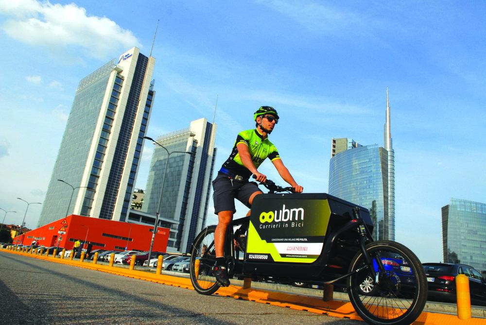 Consegne a domicilio veloci ed ecologiche con Urban Bike Messenger Milano